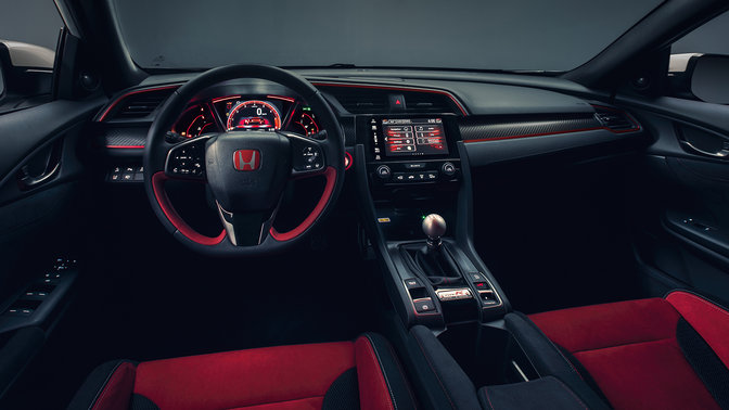 Vooraanzicht dashboard en interieur Honda Civic Type R.