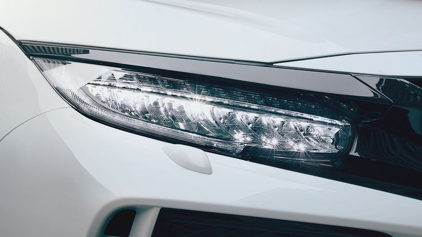 Close-up van LED-koplampen Honda Civic Type R.