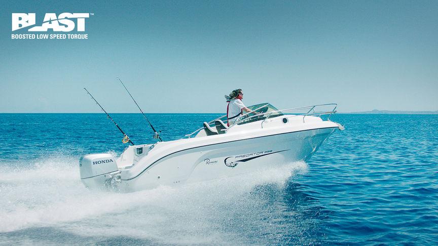 Speedboot op zee met een Honda BF225 buitenboordmotor