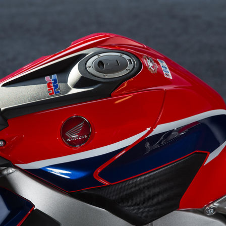 Close-up van ontsteking Honda Fireblade.