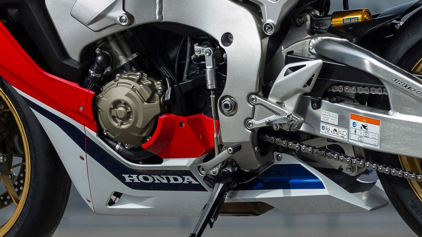 Close-up van schakeling Honda Fireblade.